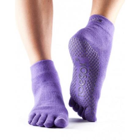 Protišmykové ponožky na jogu TOESOX bez prstov - fialové-veľkosť M