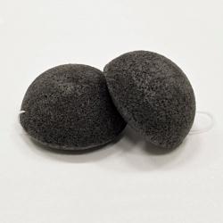 KONJAC prírodná špongia na čistenie pleti čierna