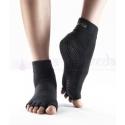 Protišmykové ponožky na jogu TOESOX bez prstov - čierne